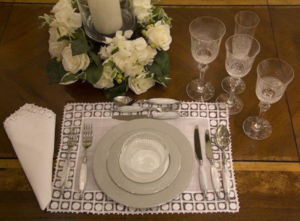 Um exemplo de mesa formal