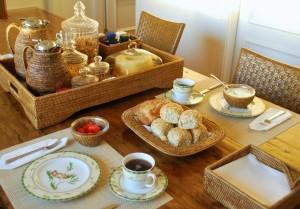 Mesa de café da manhã linda em um minuto