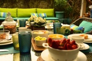 Primavera: café da manhã no jardim!