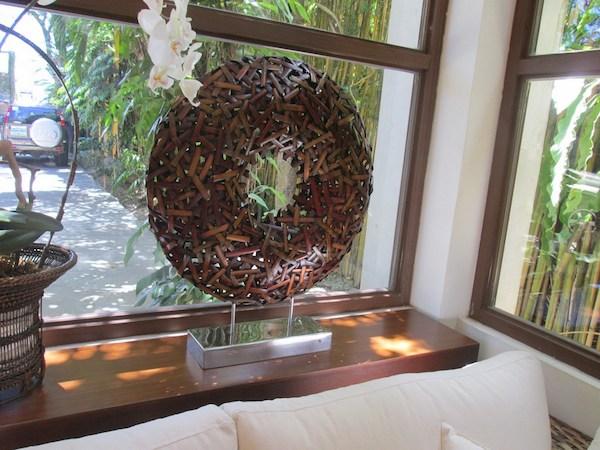 Escultura em rattan: ar contemporâneo.