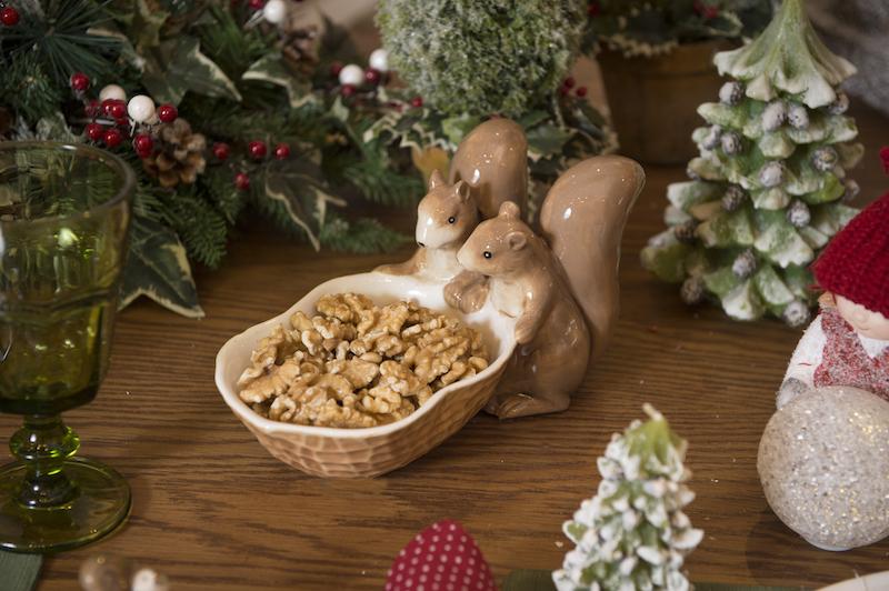 Petisqueira de esquilos em cerâmica Cecilia Dale