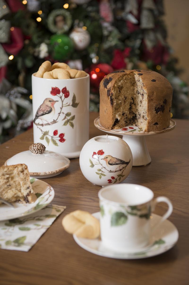 Presentes lindo que já podem vir recheados e prontos para servir: pote de biscoito, prato de bolo e porta-velas da liinha Bird.