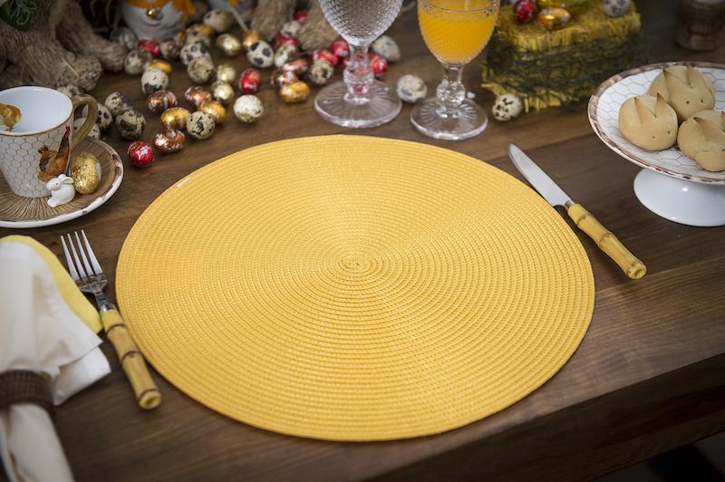 Jogo americano amarelo e talheres de inox com cabo imitando bambu - Cecilia Dale