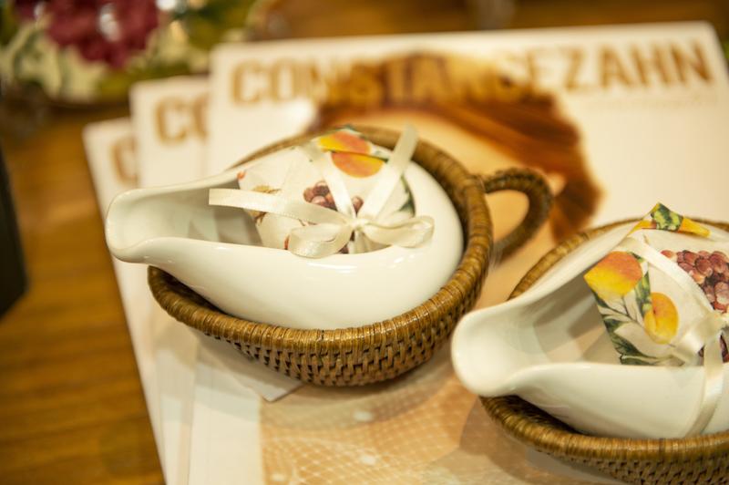 Molheira com suporte em rattan e cerâmica - Cecilia Dale